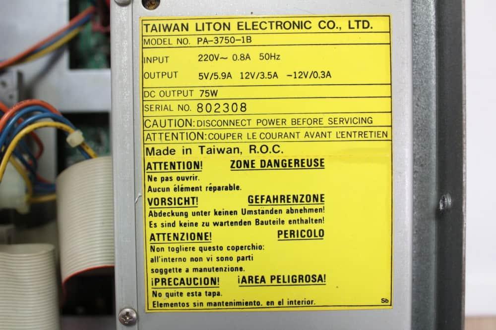 Commodore-PC-10-III - štítek zdroje