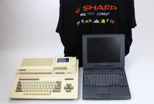 Notebook + počítač MZ-800 8-bit + tričko