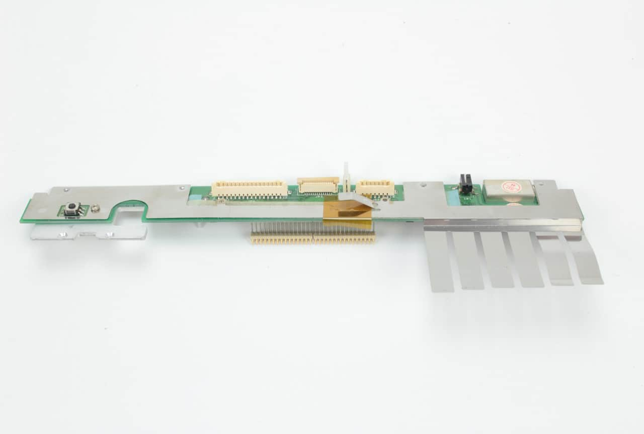 Destička kam se připojuje LCD