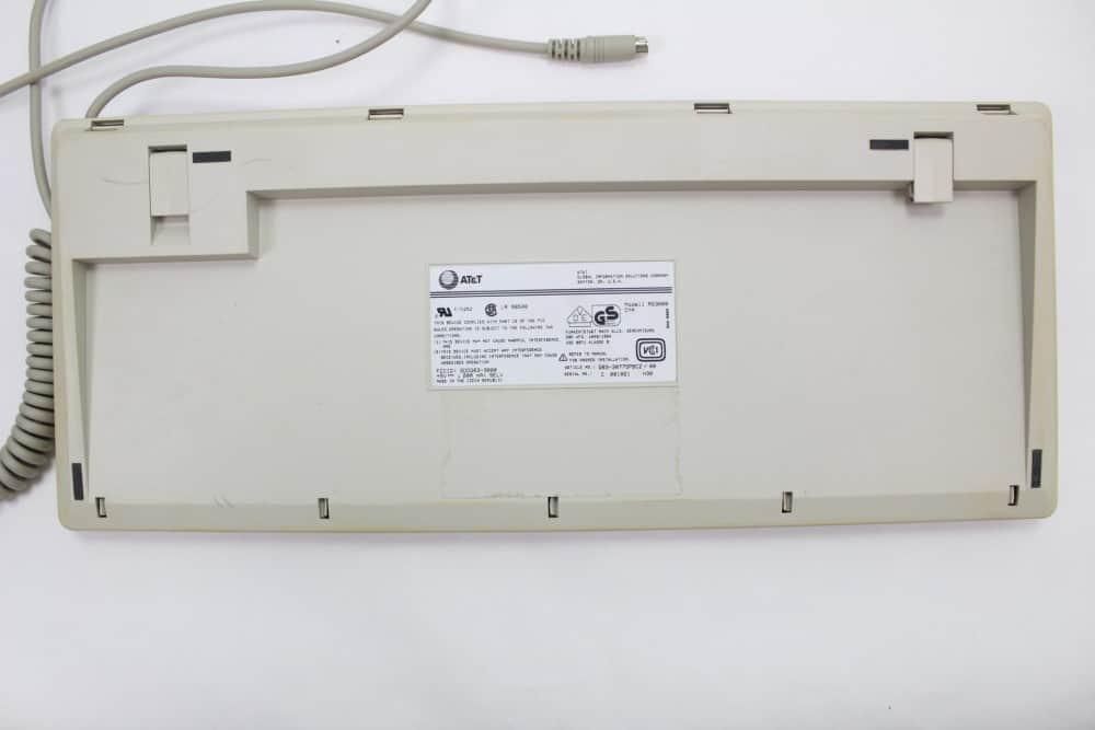 AT&T Globalyst 510 - Klávesnice zespodu