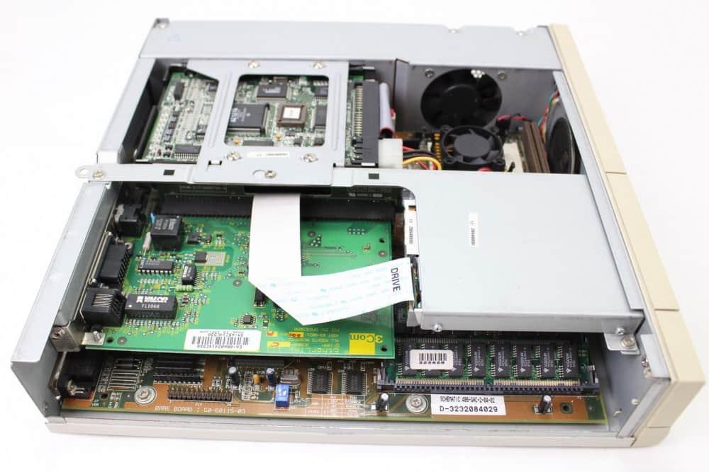 AT&T Globalyst 510 - Bez vrchního krytu a z boku
