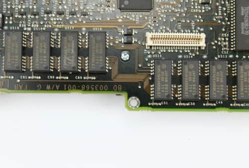 Integrovaná paměť 4MB