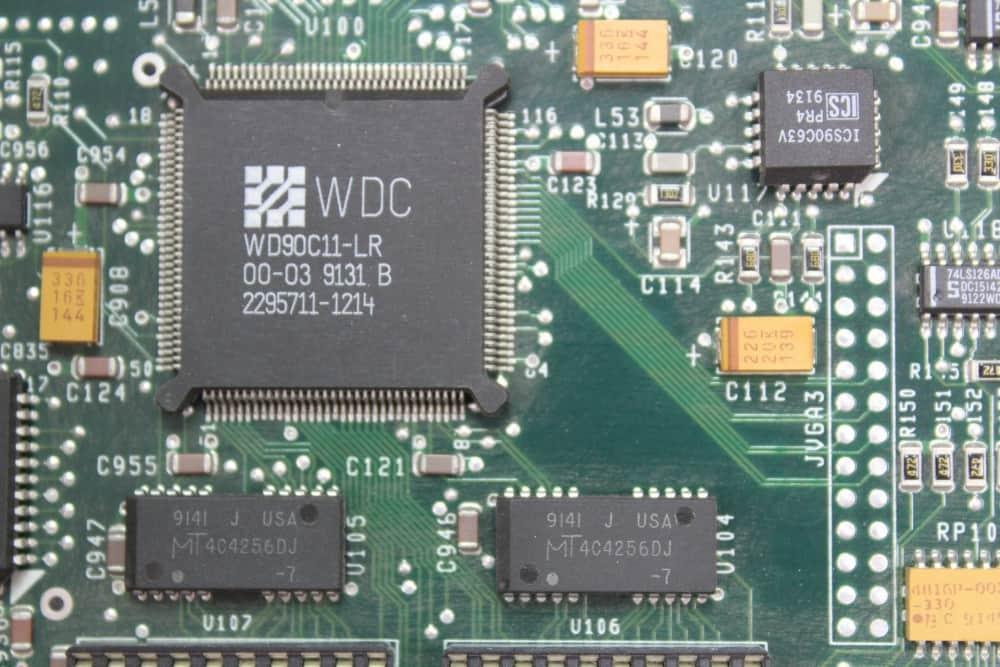 DELL 320SX - Grafický čip