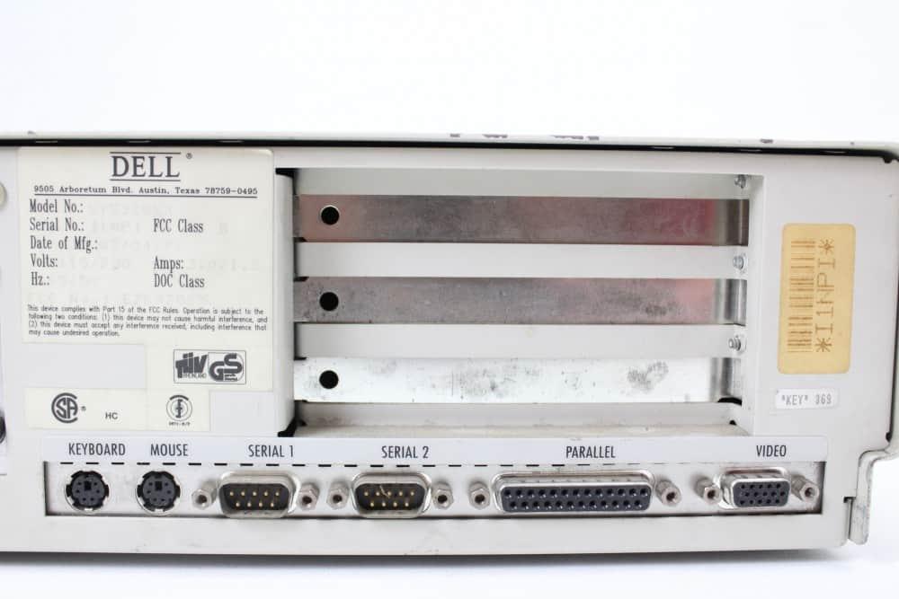 DELL 320SX - Konektory na zadní straně