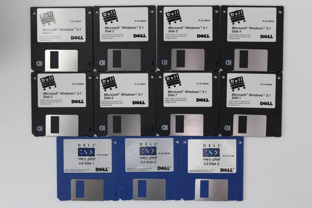 DELL 320SX - Diskety s MS-DOS 5.0 a Windows 3.1