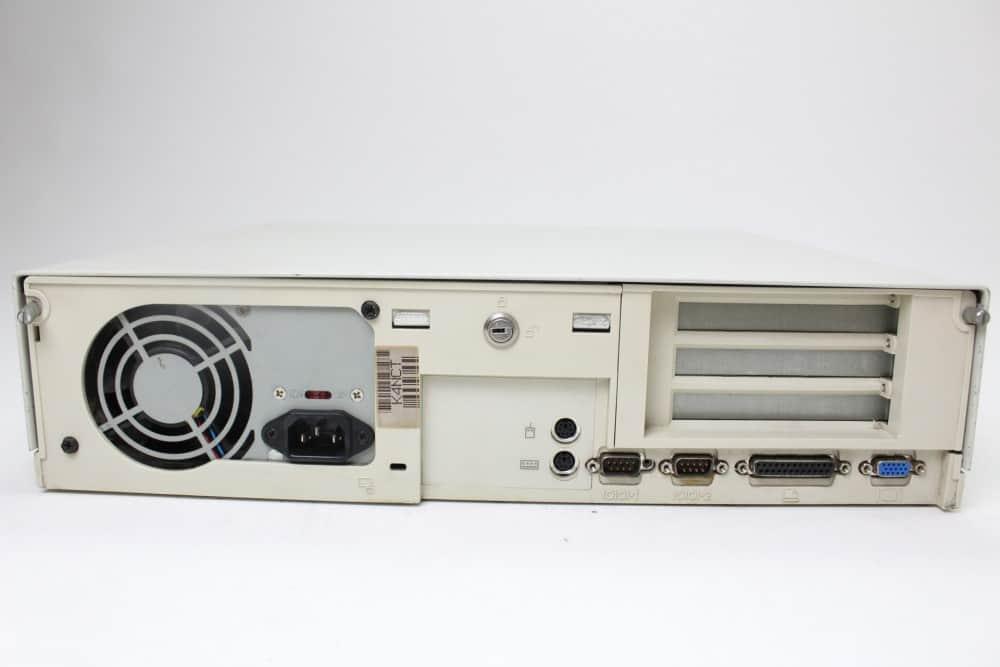 DELL OptiPlex GL 575 - Zadní strana