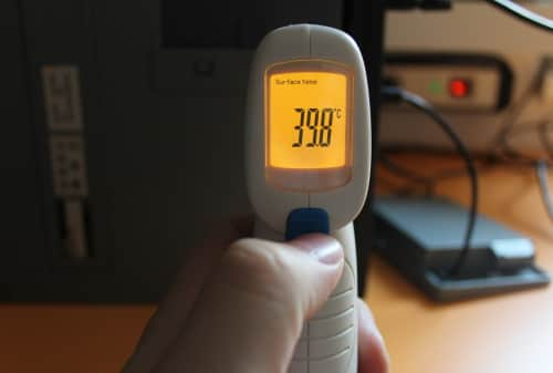 Teplota po 3 hodinách při spuštěné hře Qauke kdy demo střídá demo