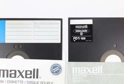 Počet děr na disketě