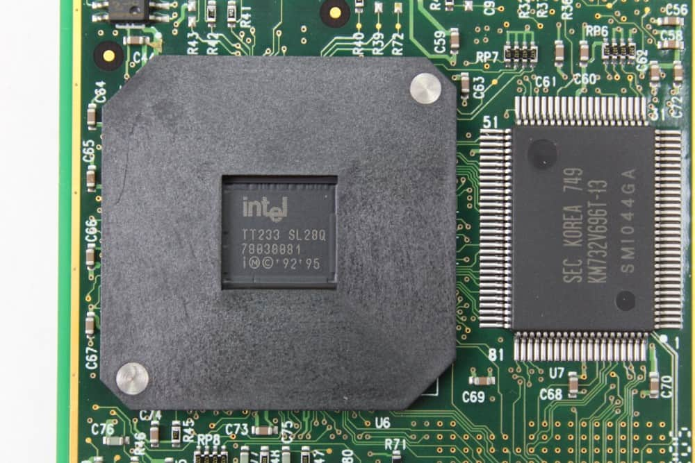 Hewlett Packard OmniBook 2100 - Popis na procesoru
