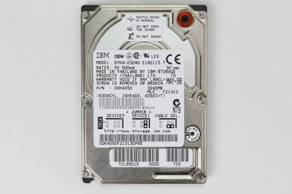 Hewlett Packard OmniBook 2100 - Pevný disk z vrchu