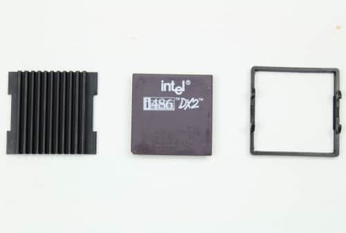 Procesor Intel 486DX2 na 50MHz + chladič a držák chladiče