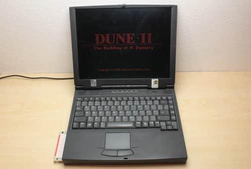 Otevřený a zapnutý jede hra Dune 2
