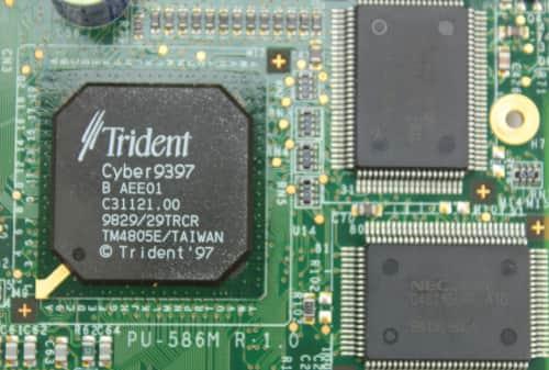 Grafický čip + její 2MB RAM