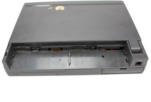Konektory kde jsou baterie
