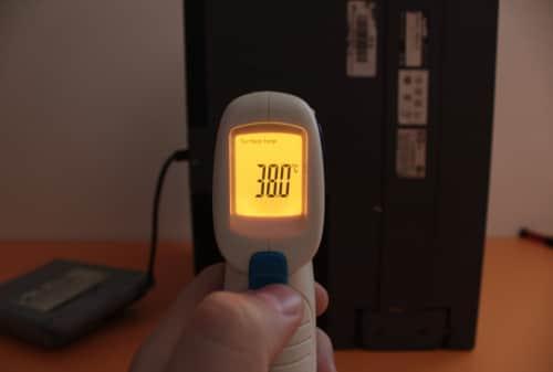 Teplota po 3 hodinách při spuštěné hře DOOM, kdy demo střídá demo