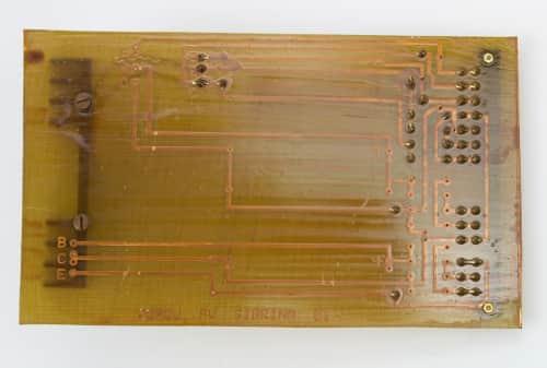 Zdroj PV SABRINA 01 - je stabilizátor napětí. zezadu
