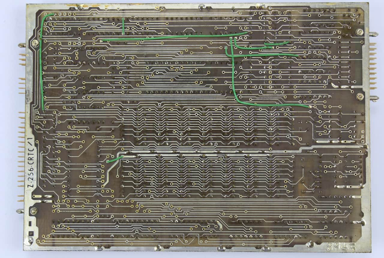 Deska CRTC - zobrazuje video 640x300 bodů - zezadu