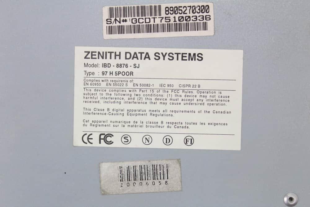 Zenith Data System Z-Station EL - Štítek na spodku bedny