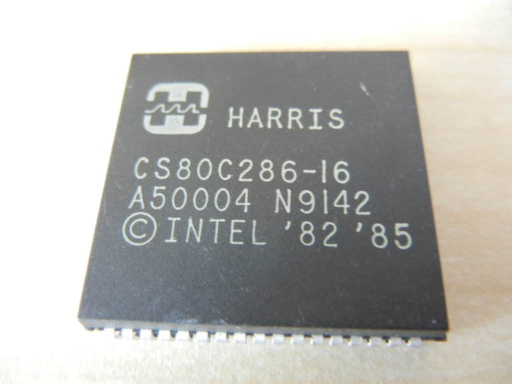 Procesory 286