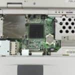 Pohled pod klávesnici - Asus A1300F