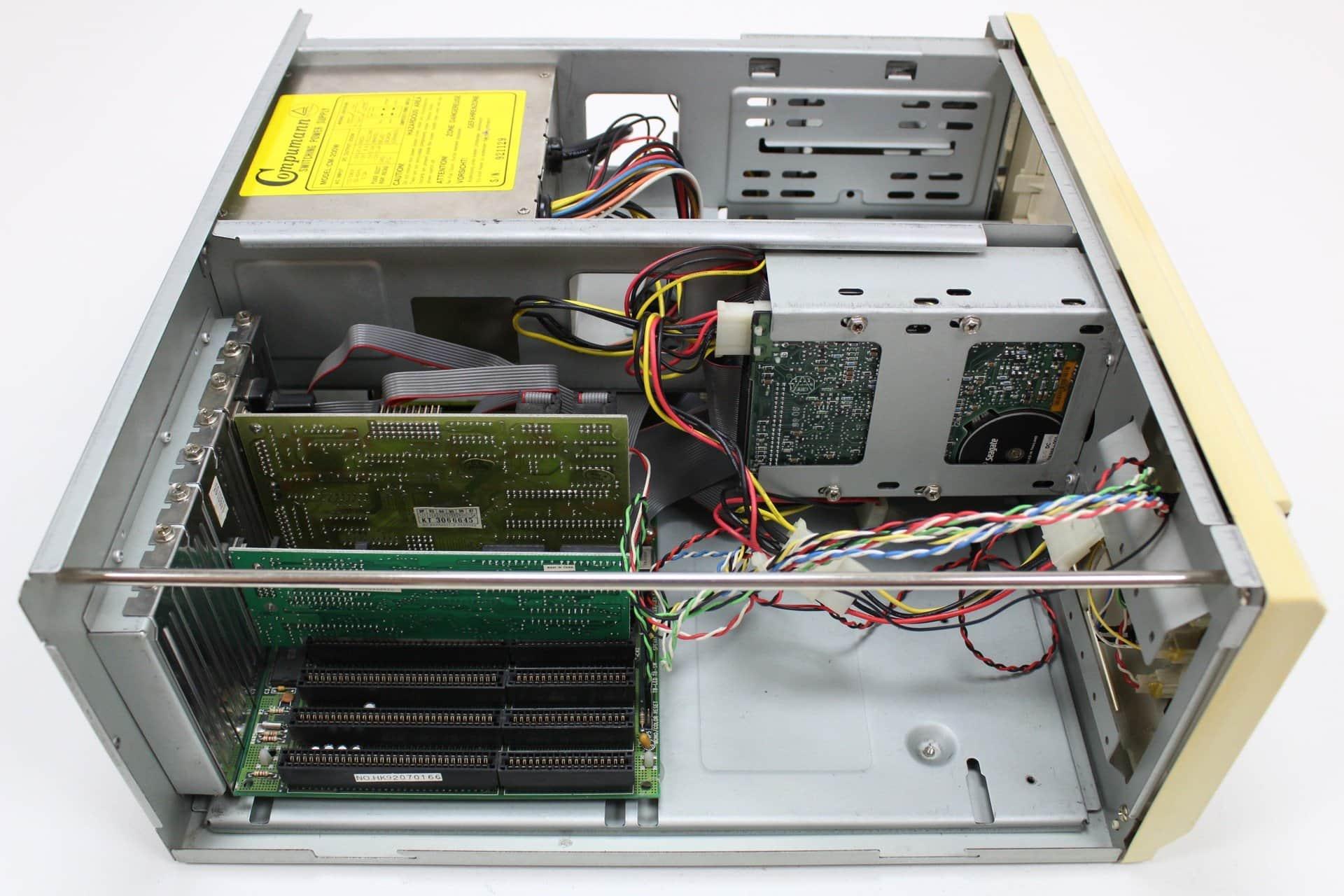 078e715dd ... Bez krytu z boku - PC VUJO 286 na 25MHz ...