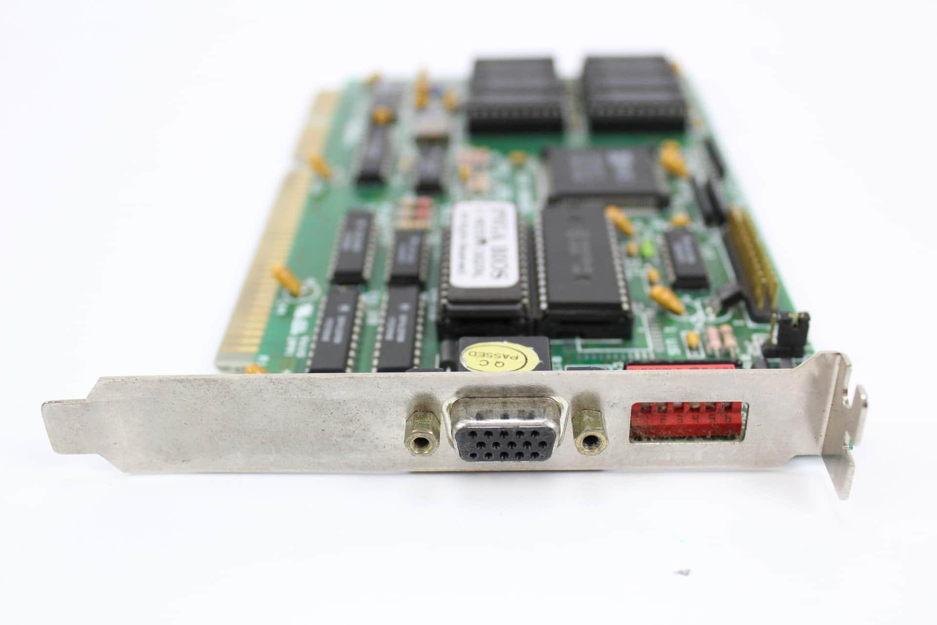 03940ceec ... Grafická karta ze strany konektoru - PC VUJO 286 na 25MHz ...