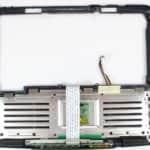 Vrchní kryt s touchpadem zespodu z - Hewlett Packard OmniBook XE3