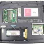 Zespodu a bez krytek - Hewlett Packard OmniBook XE3