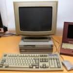 Počítač Olivetti M290-20 na stole