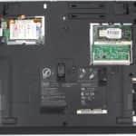 Zespodu a bez krytek - IBM ThinkPad 390X