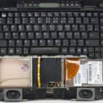 Odstraněn vrchní kryt s touchpadem - Compaq Presario 1630