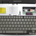 Odstraněn vrchní kryt - Compaq Contura 3-25C