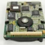 Pevný disk zespodu a konektor - Compaq Contura 3-25C