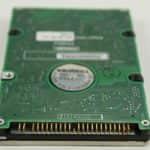 Pevný disk zespodu a konektor - Olivetti Echos 44 Color