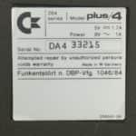 Commodore plus/4 - Štítek