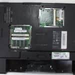 Zespodu a bez krytek - Acer Aspire 1362LM